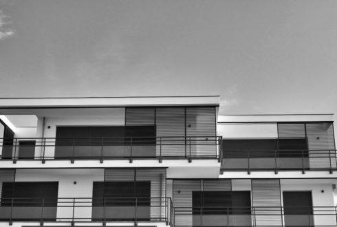 Jak efektywnie korzystać z płynnych membran dachowych?