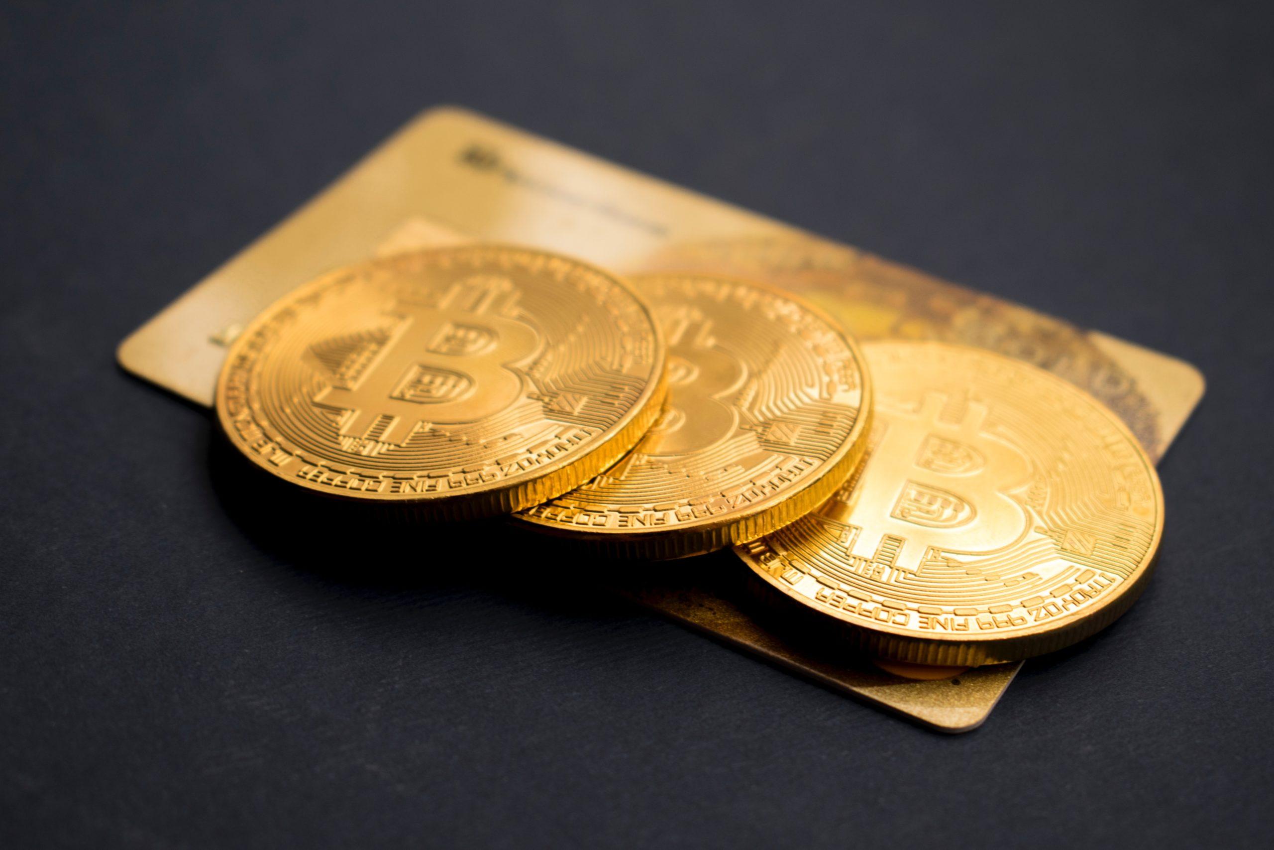 Jak działa Bitcoin? Wirtualna waluta niezależna od rządów, instytucji i banków.