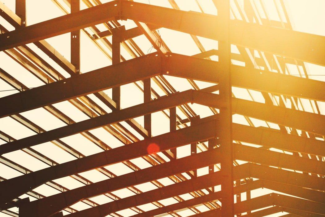 Z czego wynika popularność konstrukcji stalowych?