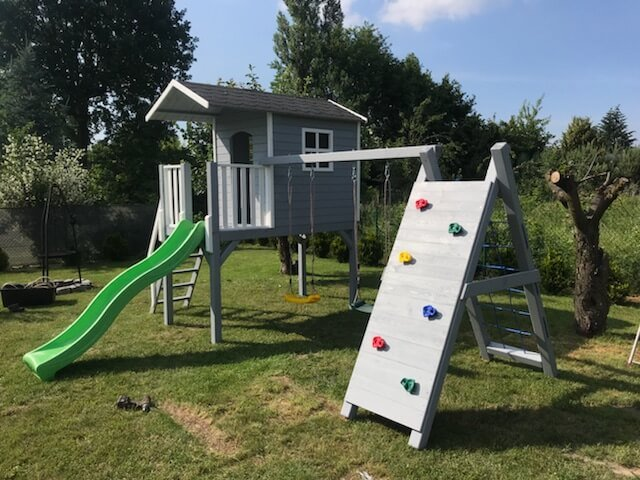 Place zabaw dla dzieci w ogrodzie – na co zwrócić uwagę?