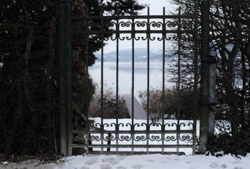 Jak działają siłowniki w napędach do bram?