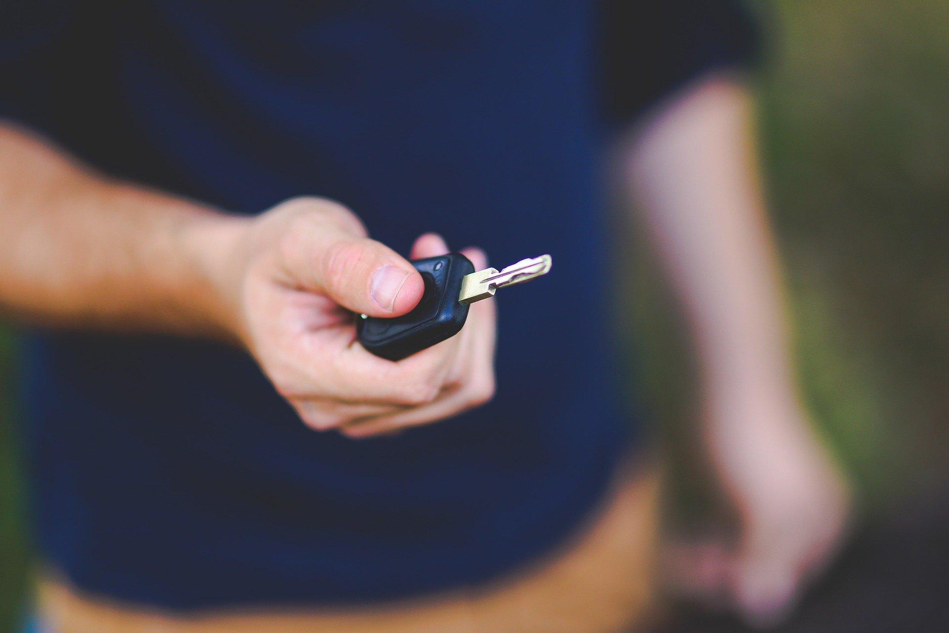 Jakie korzyści niesie ze sobą korzystanie z systemu na jeden klucz?