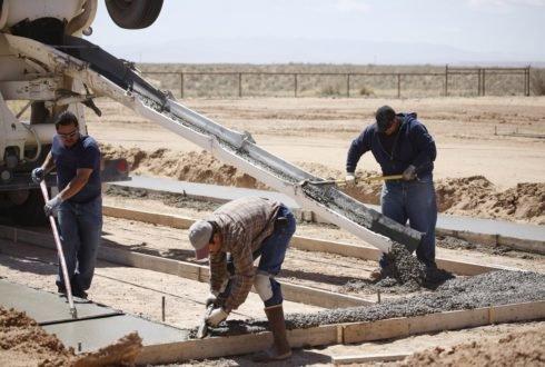 Optymalizacja procesu budowlanego w kontekście prac deskowaniowych