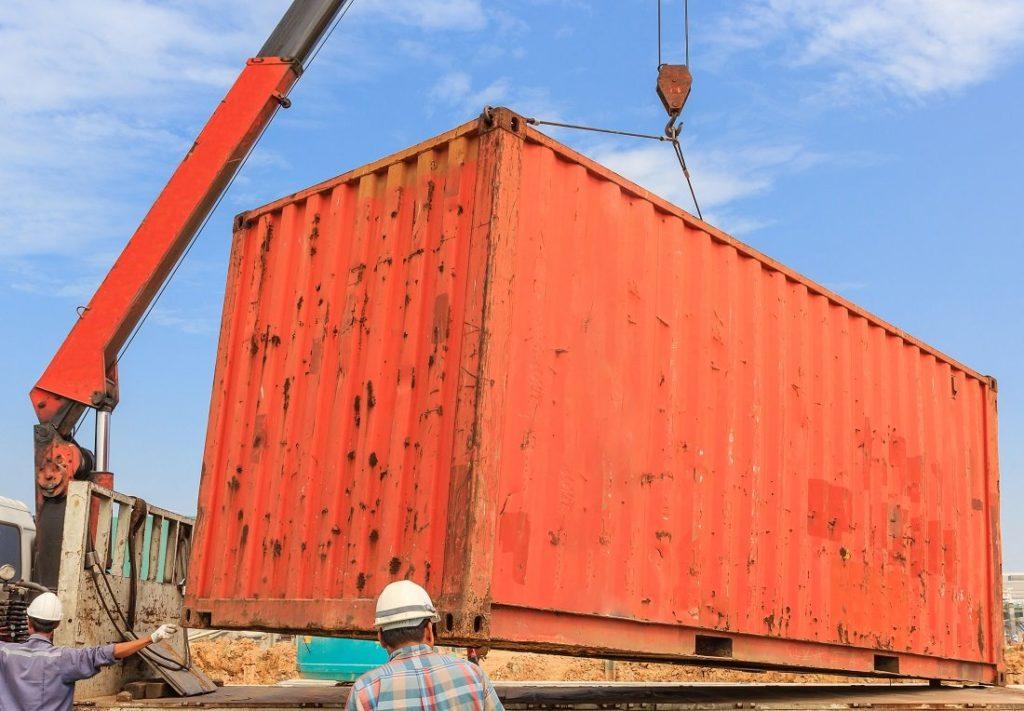 Samochód ciężarowy z HDS - zalety i korzyści z wynajmu lub kupna
