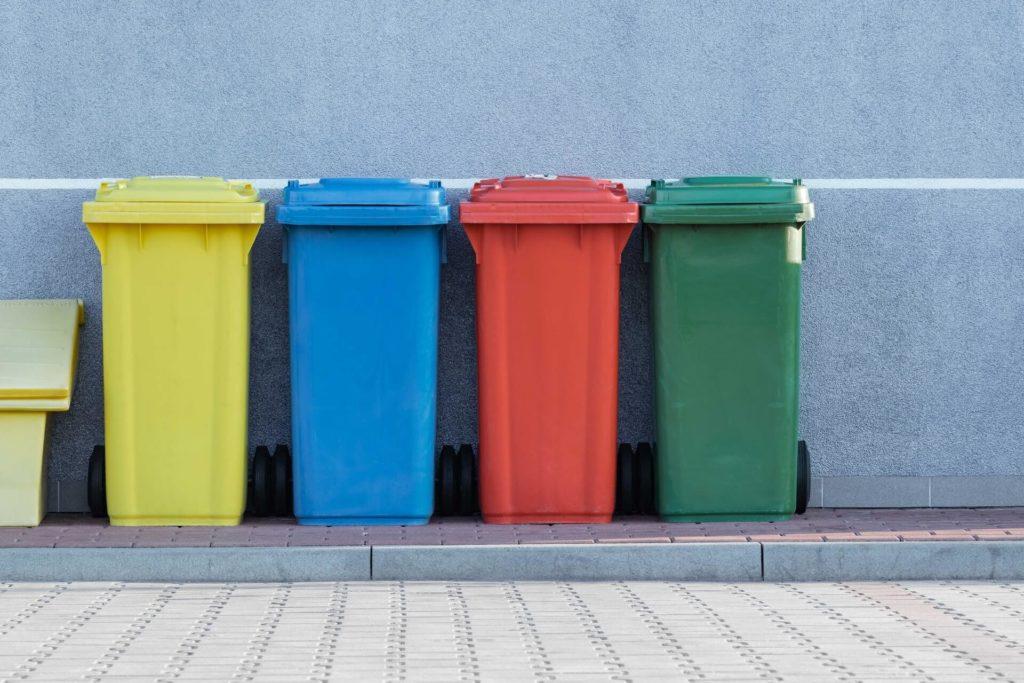 Kiedy warto zamówić kontener na śmieci w Krakowie?